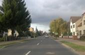 Straße in Britz in Richtung Dorf Britz