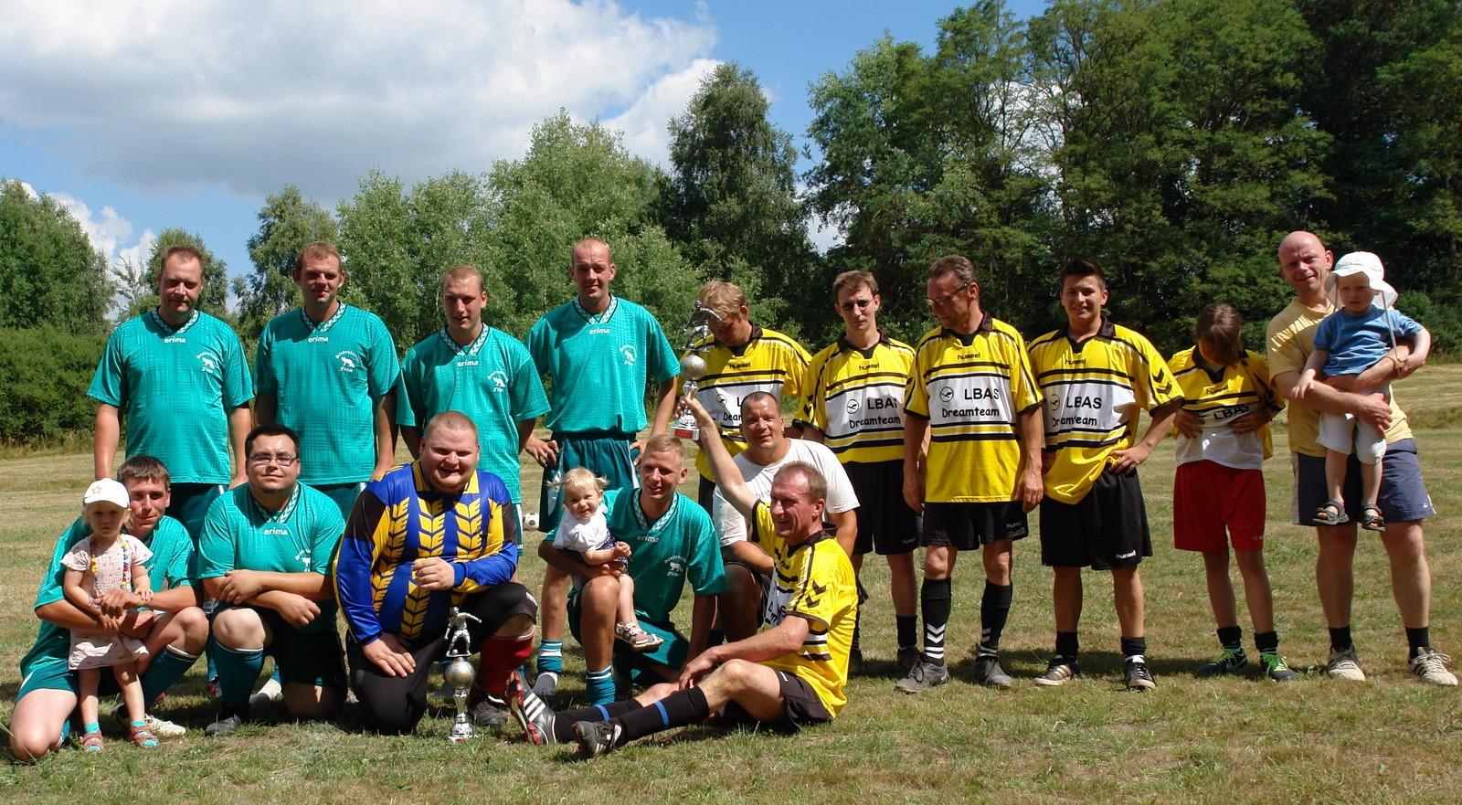Fußball Freundschaftsspiel 2013 zum Dorffest in Senftenhütte